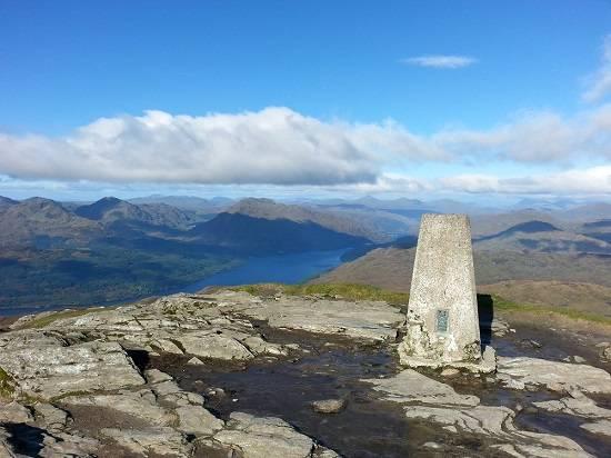 duncryne hill summit of Ben Lomond
