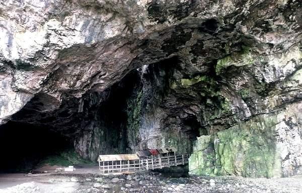 visit smoo cave scottish highlands