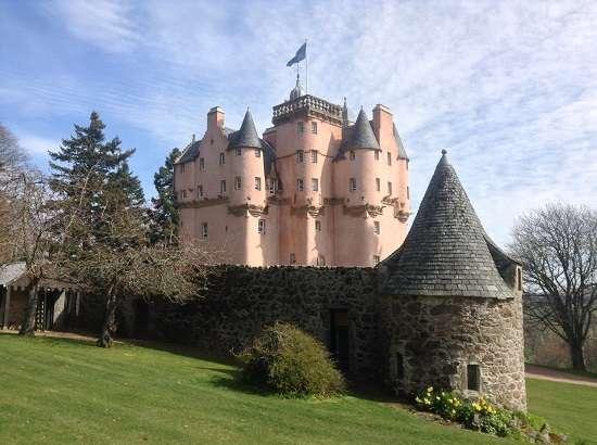 top 10 scottish castles craigievar.