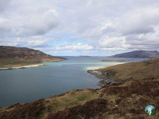 visiting the isle of harris beaches Traigh Mheilen walk.