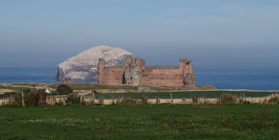 tantallon castle north berwick.