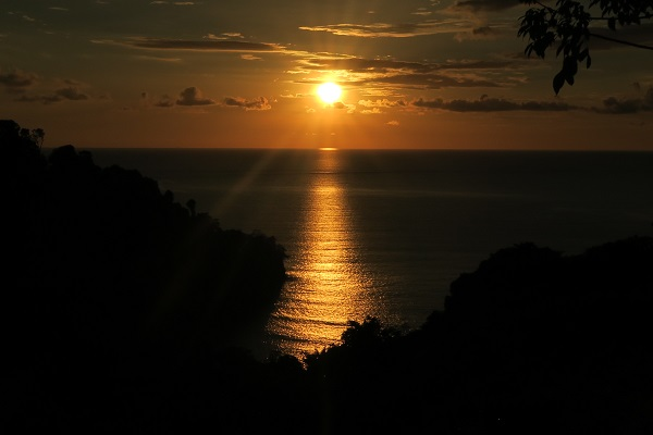 sunset image costa rica travel blog manuel antonio