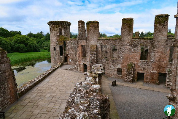 caerlaverock history dumfries and galloway