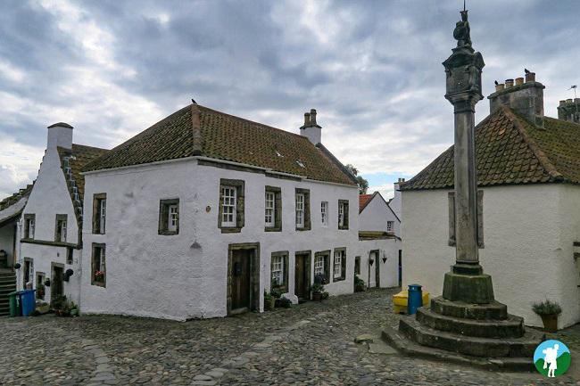mercat cross culross outlander filming locations